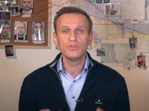 У Навального мания величия, считает пресс-секретарь президента Путина