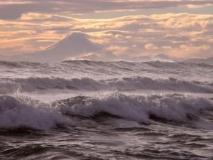 Судьба 17 рыбаков затонувшего судна не известна