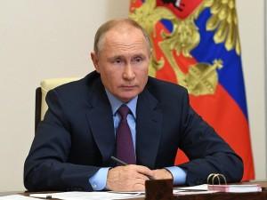Рейтинг Путина упал вдвое среди российской молодежи