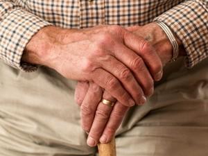 Миллион пенсионеров-должников в России попали в базу судебных приставов
