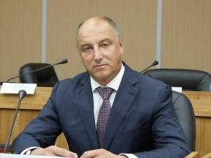 Он голосовал за повышение пенсионного возраста. Депутат Сергей Сопчук