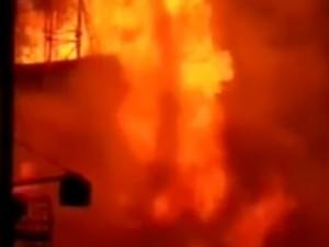 Нефтяная скважина горит в Оренбурге