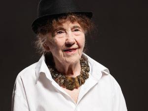 94-летняя блогерша из Магнитогорска попала в реанимацию с пневмонией