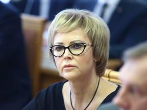 Она голосовала за повышение пенсионного возраста. Депутат Татьяна Соломатина