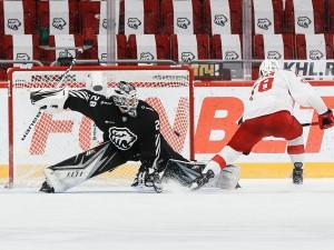 Лукаш Седлак дважды забил, но «Трактор» крупно проиграл «Спартаку»