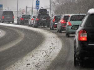 9-балльные пробки сковали Челябинск: скорость движения снизилась до 3 километров в час