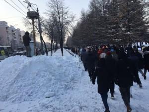 Тысячи сторонников Навального в Челябинске прошли намеченным маршрутом