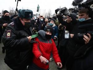 Участвовать детям в акциях в поддержку Навального не советуют организаторы