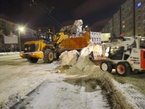 Около 250 машин вывезли 3,5 тысячи тонн снега из Челябинска