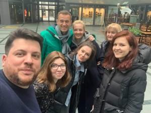 Навальный вылетел из Берлина в Москву