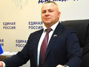 Он голосовал за повышение пенсионного возраста. Депутат Валентин Суббот