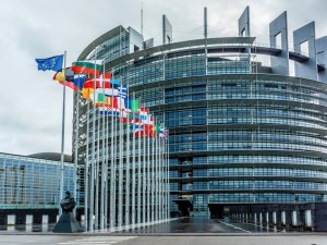 «ЕС больше не должен быть гостеприимным местом для российских богатств, чье происхождение неясно»