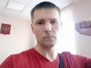 В Челябинске задерживают коммунистов