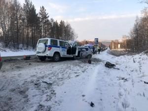 Пассажир «Киа Сид» погиб в ДТП, 17 юных хоккеистов не пострадали