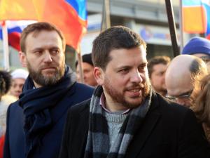 Соратника Алексея Навального Леонида Волкова объявили в розыск