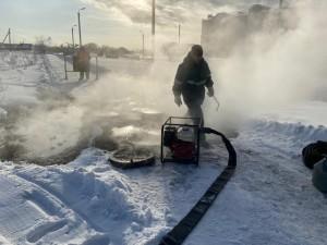 Без тепла в мороз остались 14 домов в Челябинске из-за прорыва труб