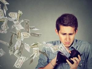 РГС Банк: челябинцыэкономят на товарах и отказываются от крупных покупок