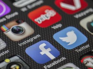 Социальные сети привлекут к ответственности за «призывы к несовершеннолетним» участвовать в акциях протеста