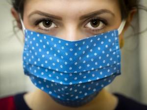 Тканевые маски признали не гигиеническими и запретили продавать в Испании