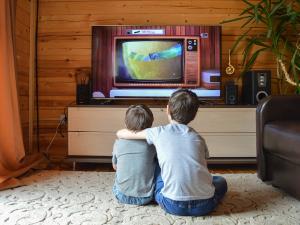 В Латвии запретили ретранслировать еще 16 российских телеканалов, среди них НТВ и РЕН ТВ