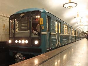 Станцию «Невский проспект» в петербургском метро закрыли по требованию МВД