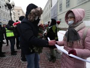 Кремль отметил невмешательство полиции на акции с фонариками