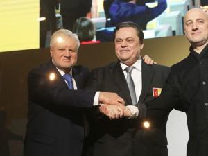Объединение эсеров с двумя малыми партиями станет угрозой для монополии «Единой России», считает Гартунг