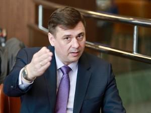 Обвиняемому в получении крупной взятки вице-мэру Челябинска предложили уволиться