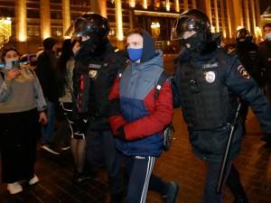 972 административных ареста назначили суды Москвы участникам акций протеста