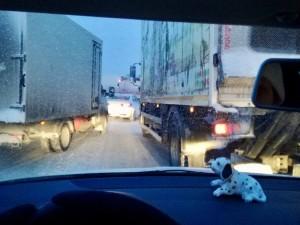 Километровые пробки возникли на дорогах Челябинской области