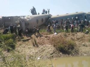 32 человека погибли в Египте в столкновении поездов