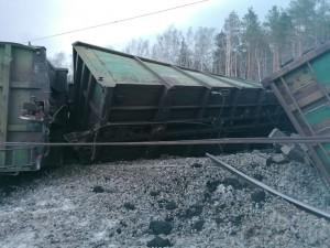 Движение поездов после схода вагонов на Южном Урале восстановили