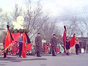 Как прощались с Гагариным на Алом поле в Челябинске. Редкие снимки хранились в семейном архиве