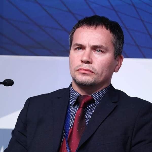 Павел Золотов