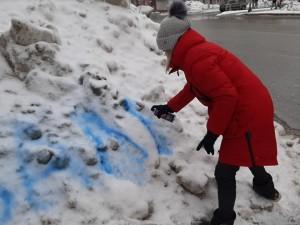 Навальный опять поможет убрать в Челябинске кучи снега?