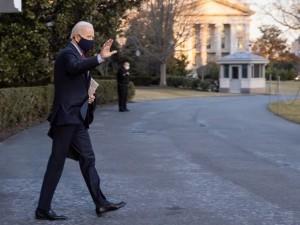 На президента США Байдена подали в суд власти 12 штатов