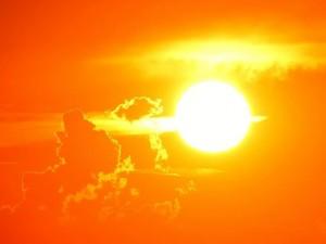 О периоде, когда солнце полезно, а когда вредно, рассказал Роман Вильфанд