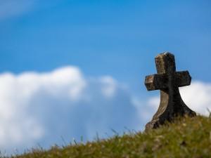 146 кладбищ в Челябинской области не имеют договоров на вывоз муссора