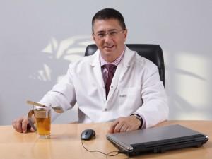 К принудительной вакцинации призвал известный врач России
