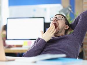 Почему зевает человек, и чем это опасно?