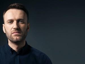 Навального переведут в больницу. Путин боится его смерти?