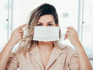 Совместимы ли антиковидная маска и жара?