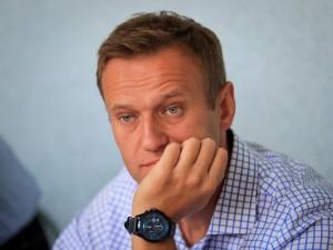 Навальный прекратил голодовку по просьбе врачей