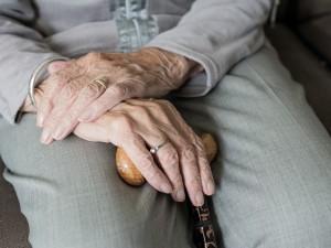 По 12 тысяч рублей получат российские пенсионеры старше 80 лет