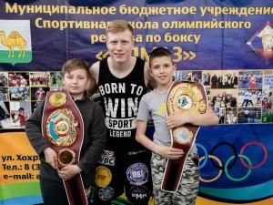 Золотой чемпион WBA Марк Урванов встретился со сборной Челябинской области по боксу